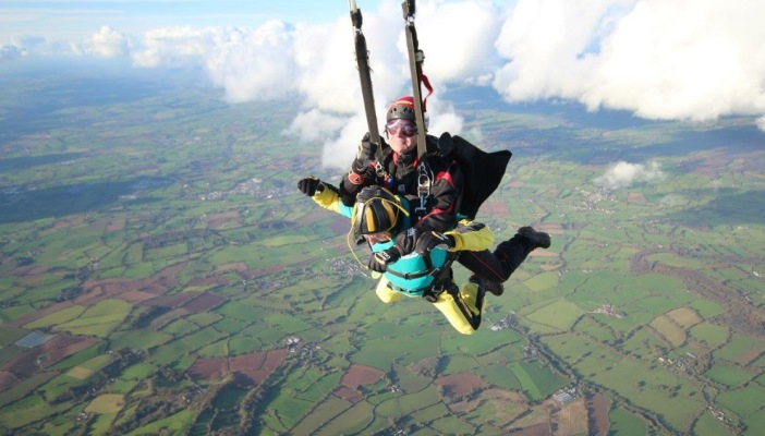 Image of a tandem skydive