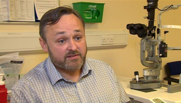 Dr Gwyn Williams, a Consultant Ophthalmologist working at Swansea Bay University Health Board