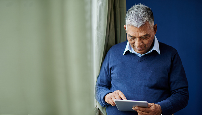 Technology tips for people with dementia and sight loss